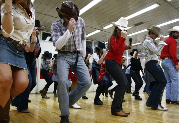 Country-dance_MUJIMA20120516_0035_29