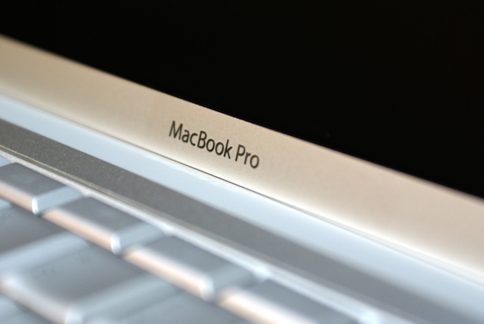 Apple si prepara ad eliminare i MacBook Pro senza display Retina