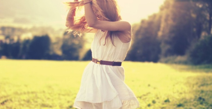 126818__mood-girl-blonde-alvte-belt-joy-happiness-positive-nature-grass-herbs-trees-sun_p