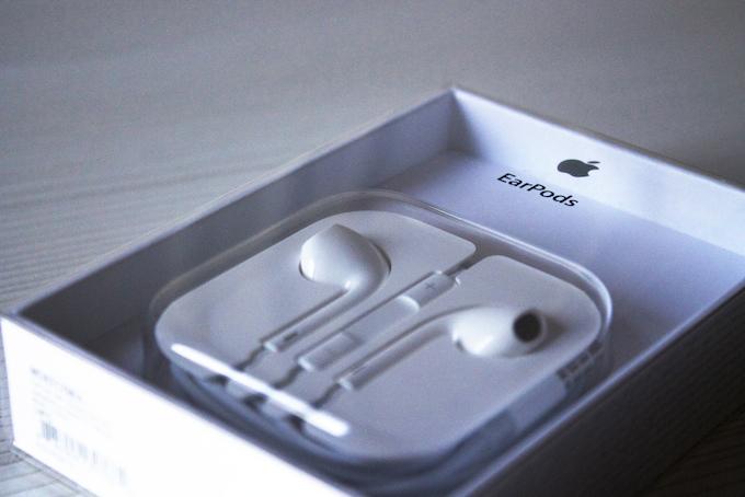 Apple, gli EarPods con sensori biometrici sono una bufala